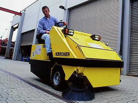 Подметальная машина KMR 1700