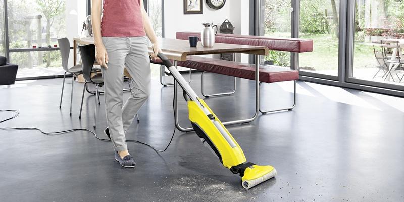 Аппарат для влажной уборки пола Karcher FC 5 - применение
